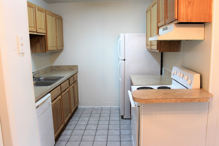 Country Gardens Apartments - Swamp Rentals