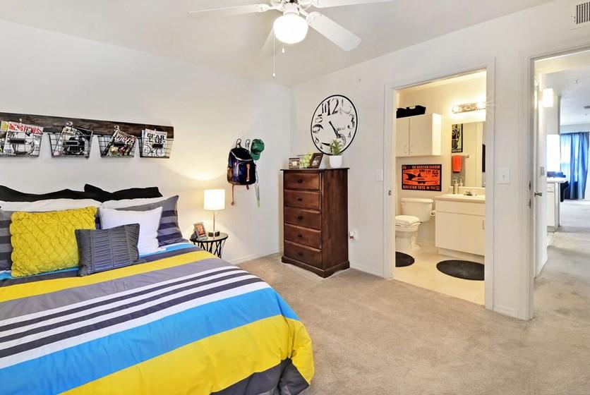 West 20 Apartments In Gainesville Near UF Swamp Rentals