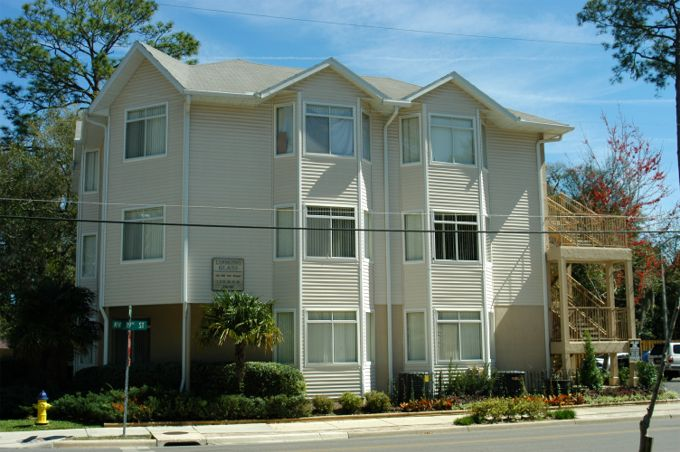 Looking Glass Uf Apartments In Gainesville Fl Swamp Rentals